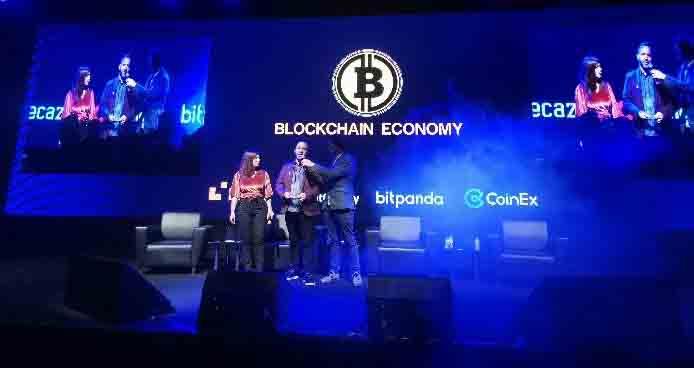 CEO BitTok, J.D Salbego mewakili perusahaan saat menerima penghargaan